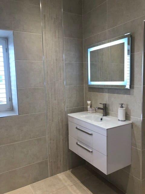 Tribeca Titanio White 35x70 2 bathroom emc tiles